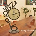 シンプルながら、圧倒的な存在感 PERC'NO(ペルケ ノー) 置時計